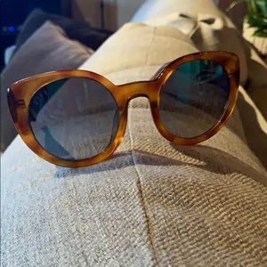 Diff tortoise shell sunglasses